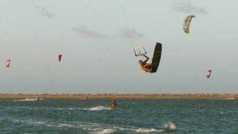 Last day kiting here in Ilha do Guajiru, now heading North following the wind